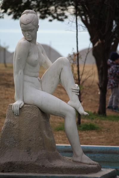 αγαλμα γυμνής (2)