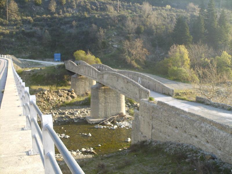 HPIM0531 γέφυρα Τρικεριώτη μετά Κρίκελο 01-05-2007