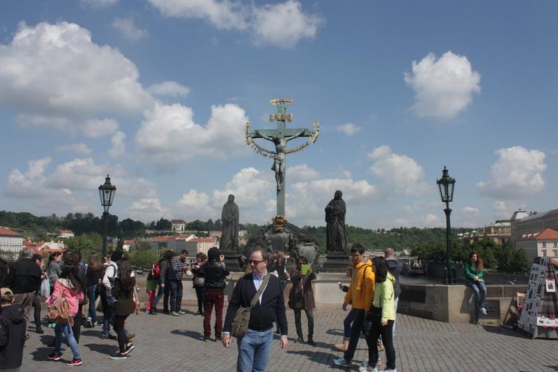 Ο εσταυρωμένος Πράγα