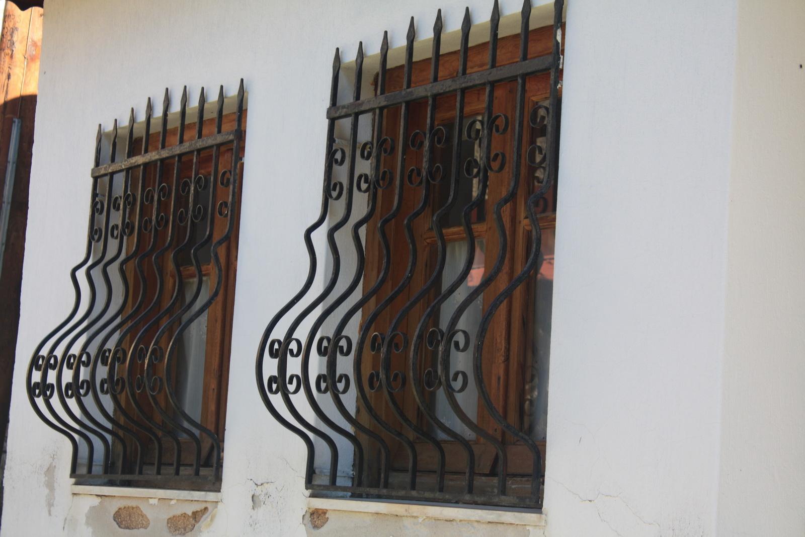 κάγκελα παράθυρου